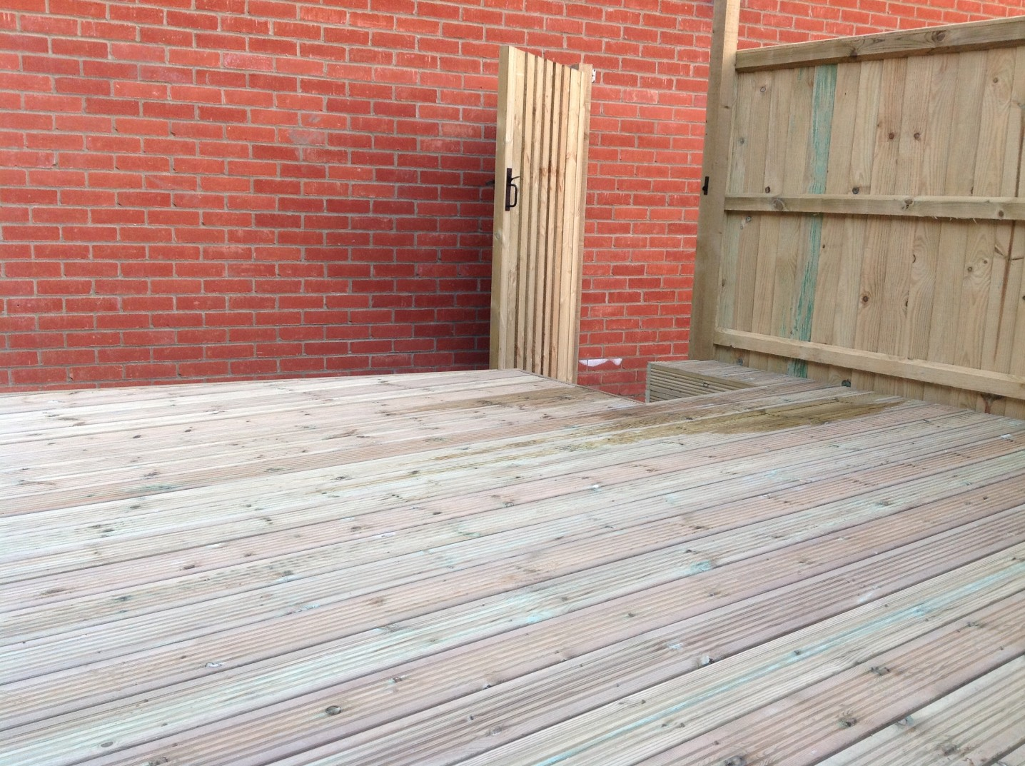 fencing and decking installation